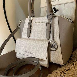 New MK 🖤 medium Ciara & matching wallet